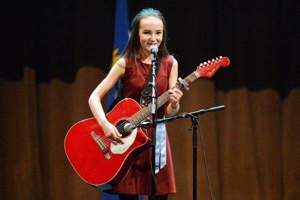 Niamh McDowell to sing Amhrán na bhFiann with the Artane Band at the Ladies Gaelic Football Finals